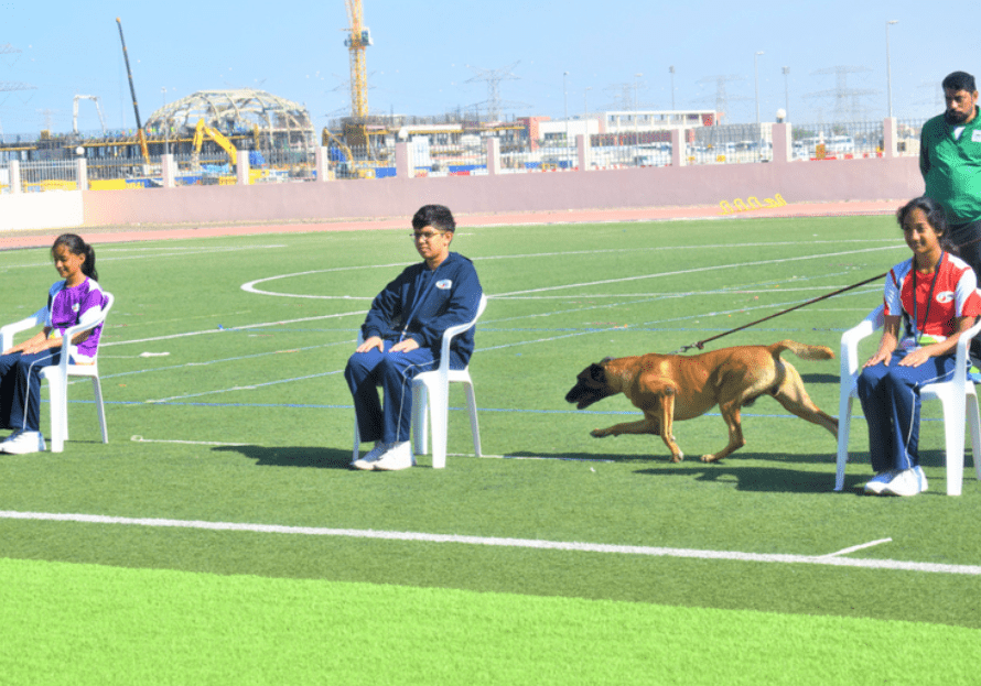 Police dogs create awareness about drugs in Dubai schools